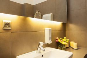Remont łazienki: zwróć uwagę na oświetlenie