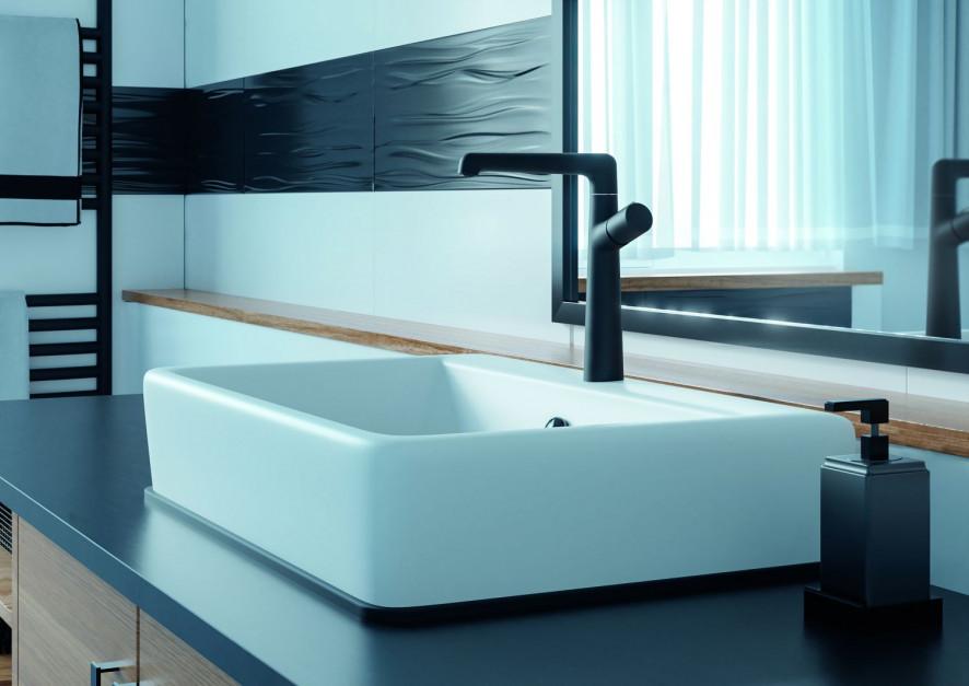 Łazienka w stylu skandynawskim: postaw na czarną baterię