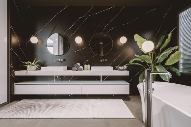 Aranżacja łazienki: stwórz salon kąpielowy z konglomeratem kwarcytowym