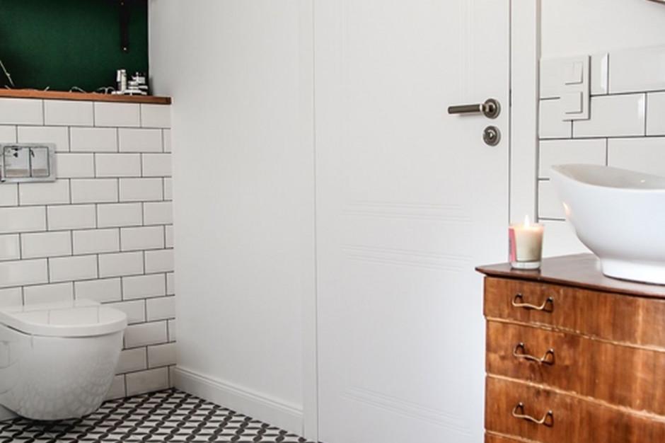 Podpowiadamy, czym powinny wyróżniać się drzwi do łazienki