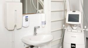 Czym powinny wyróżniać się baterie łazienkowe dedykowane placówkom medycznym?