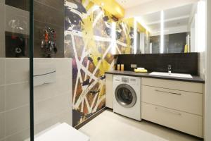 Ściana w łazience: ciekawe pomysły z polskich domów