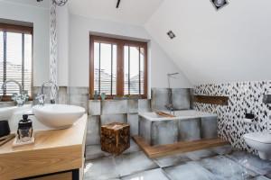 Łazienka z wanną: 12 zdjęć z polskich domów
