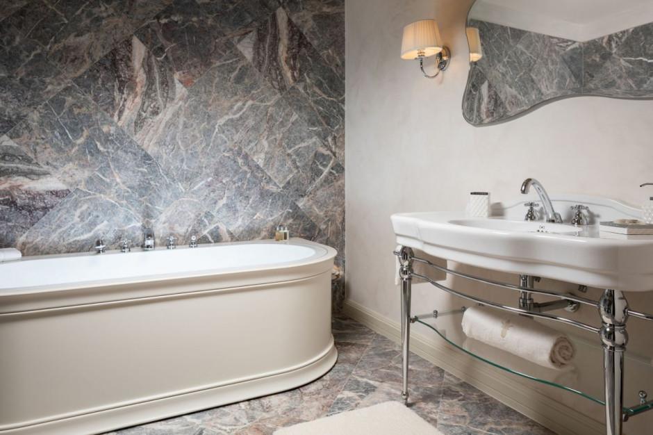 Marmurowe łazienki w 5-gwiazdkowym, chorwackim raju wypoczynkowym