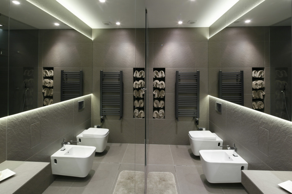 Wnęki i nisze w łazience: 5 pomysłów z polskich domów