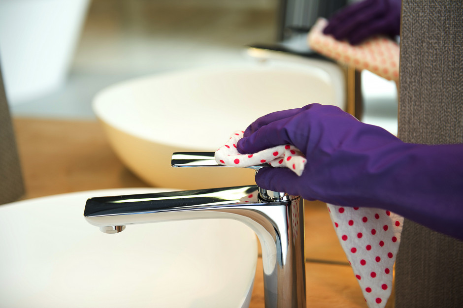 Praktyczne porady: jak dbać o baterie łazienkowe?