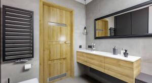 Wybieramy drzwi do łazienki: na co zwrócić uwagę?