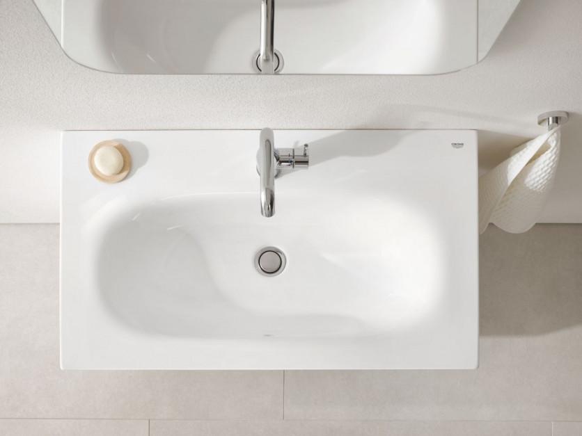 Kolorowa czy biała? Wybieramy umywalkę do łazienki