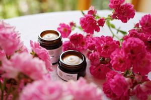 Zadbaj o siebie po wakacjach: sposoby na regenerację skóry i włosów