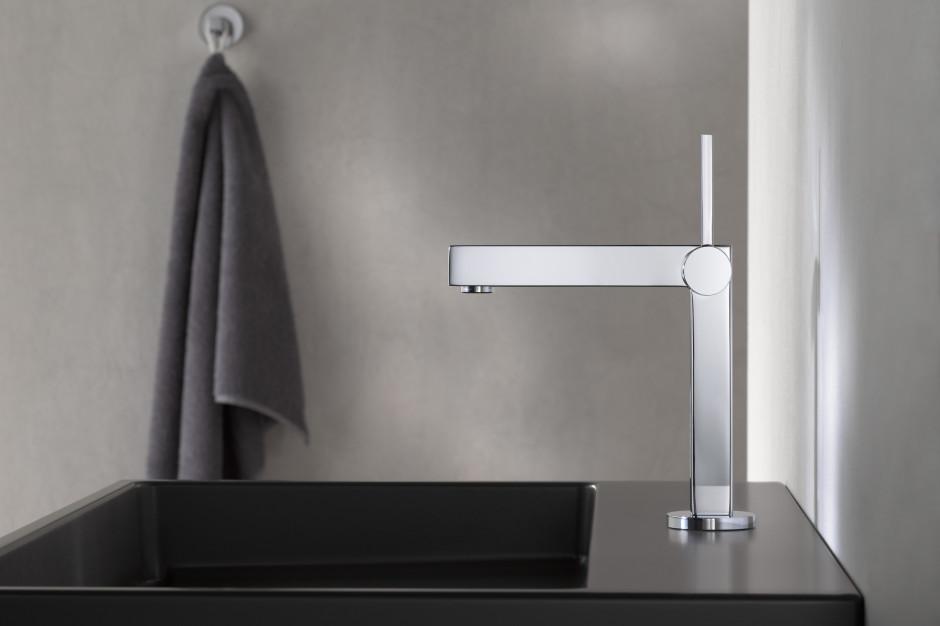 Nowoczesna łazienka: armatura zainspirowana geometrycznymi kształtami