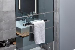 Strefa kąpieli w małej łazience: zobacz praktyczne rozwiązania