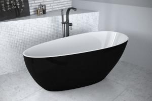 Urządzamy salon kąpielowy: postaw na wolnostojącą baterię wannową