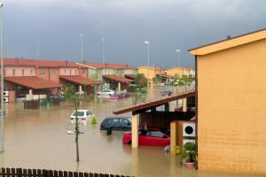 Jak zgłosić szkodę zalania mieszkania?