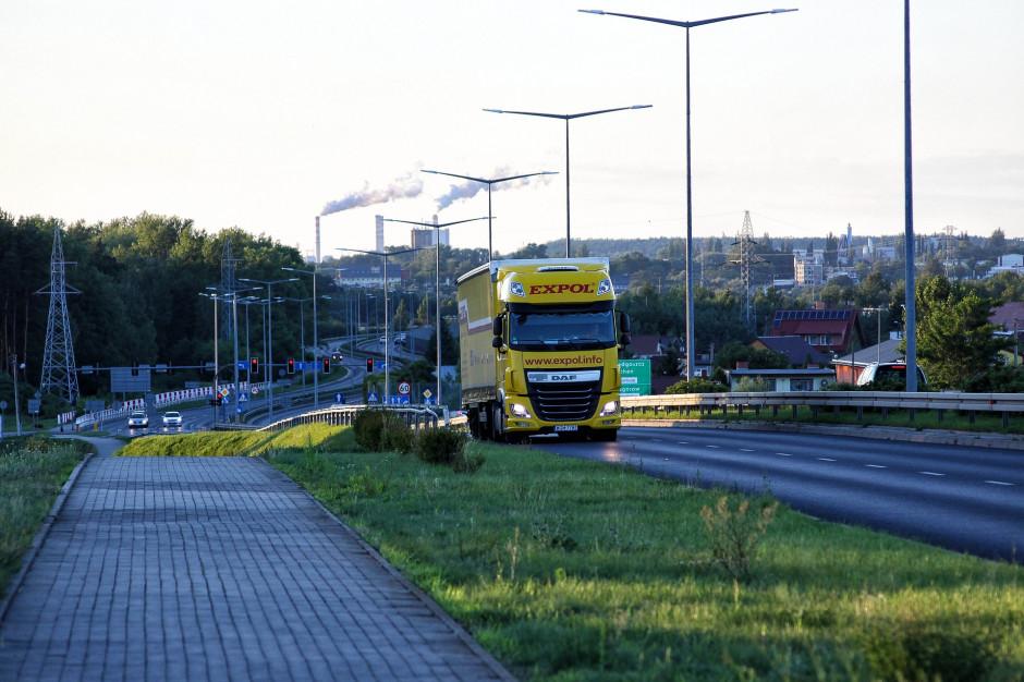 W ciągu miesiąca długi branży transportowej wzrosły o niemal 100 mln zł